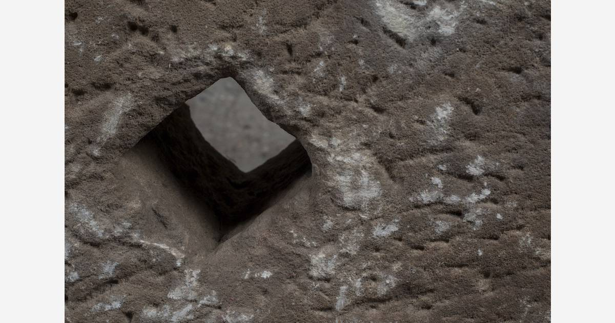 une ancienne meule pierre de l 39 ari ge. Black Bedroom Furniture Sets. Home Design Ideas