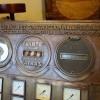 panneau_de_commande_espagnole_en_bronze_vue_detaille